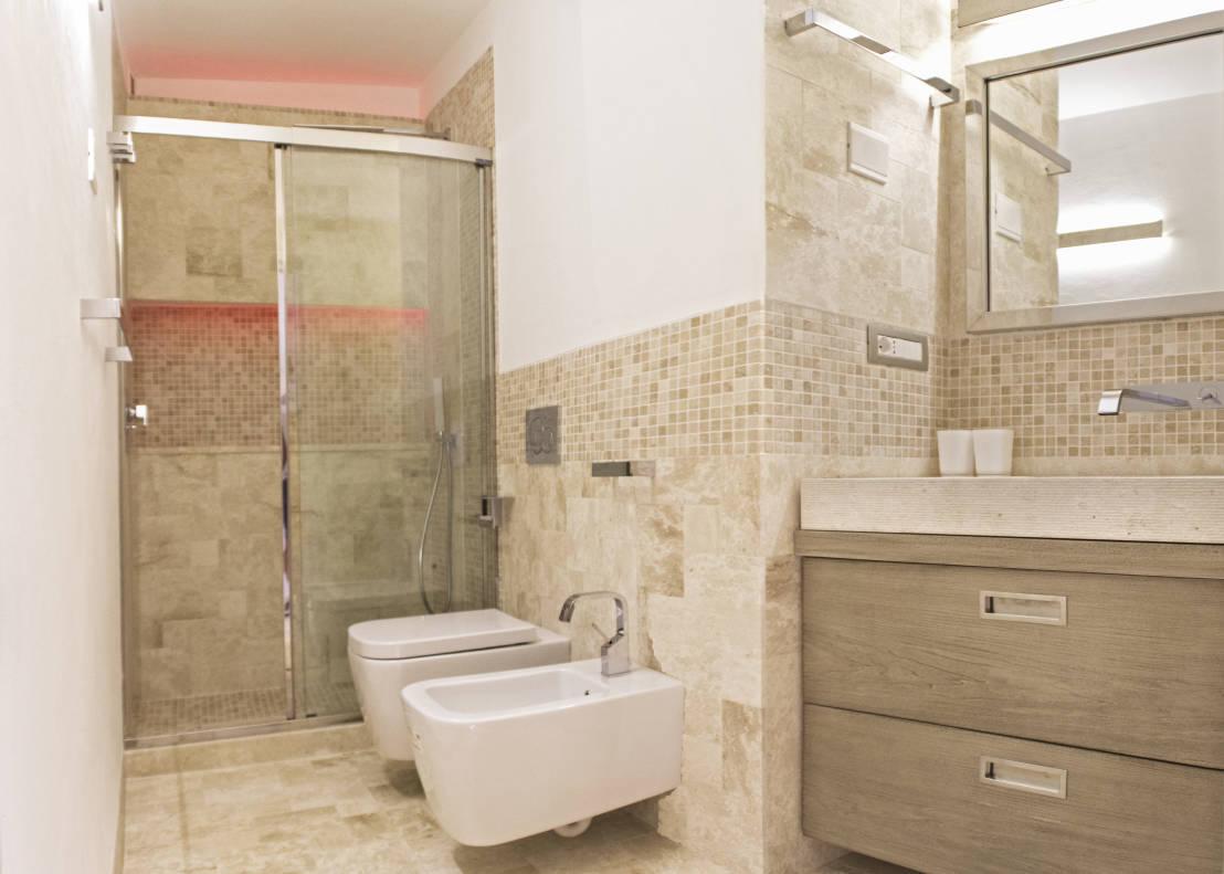 Realizzare un bagno in stile moderno consigli e idee - Piastrelle per bagni moderni ...