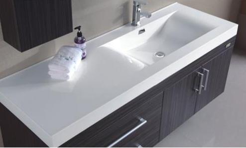 Mobile da bagno moderno con lavabo decentrato a sinistra. sb
