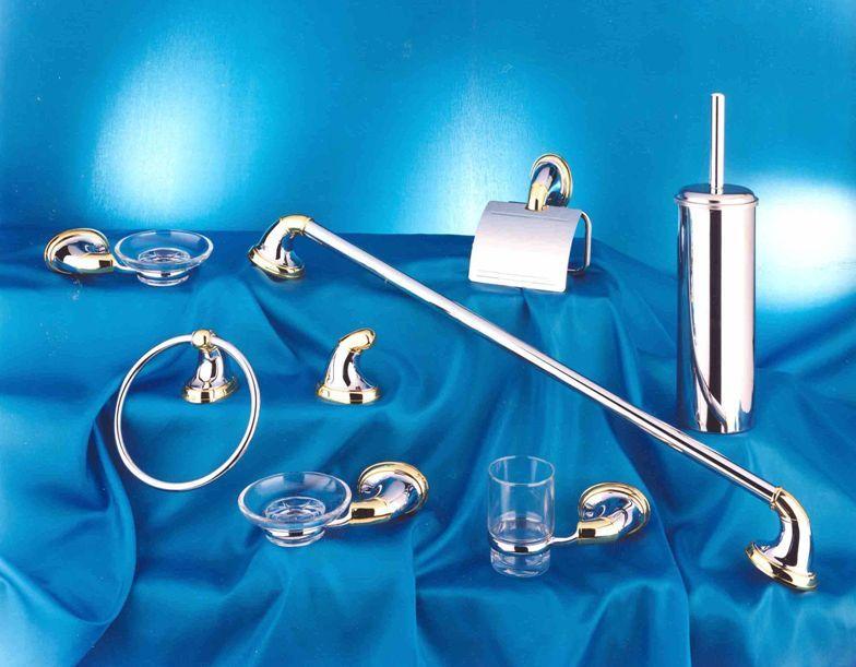 Kit 8 pezzi accessori in metallo cromo oro for Kit accessori bagno