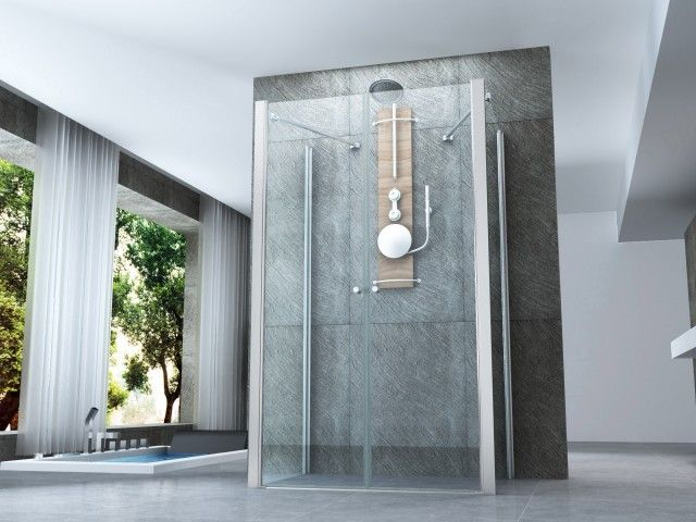 Interno del bagno moderno con vasca standalone cabina doccia e