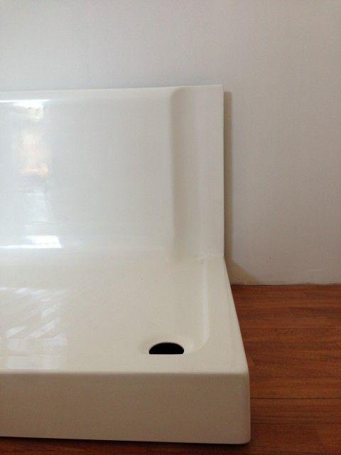 Piatto sostituisci vasca acrilico bianco rettangolare con seduta dettaglio muro.jpg