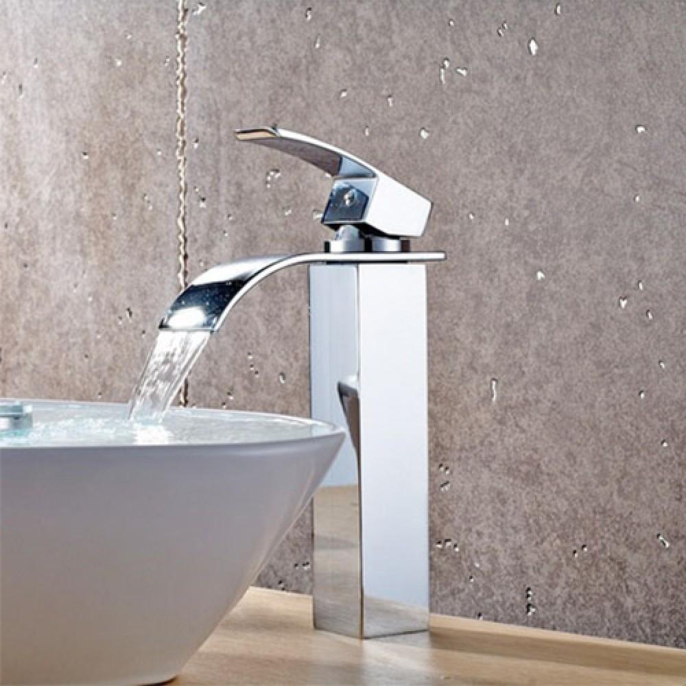 Rubinetto miscelatore con getto a cascata per lavabo d for Rubinetti per lavabo