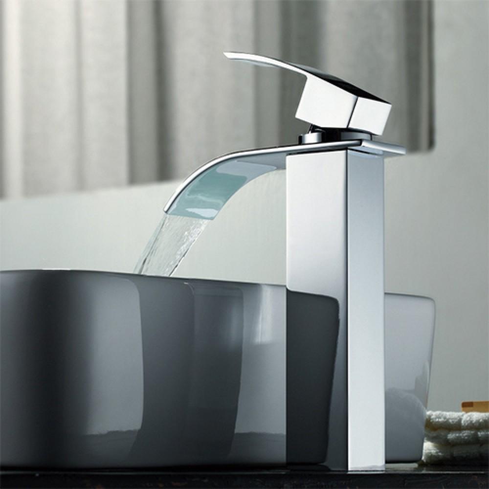 Rubinetto miscelatore con getto a cascata per lavabo d 39 appoggio rb101 - Rubinetti per bagno ...